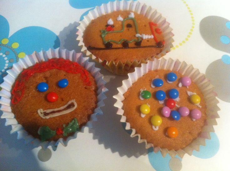 cupcakes versieren traktatie 1e verjaardag pinterest. Black Bedroom Furniture Sets. Home Design Ideas