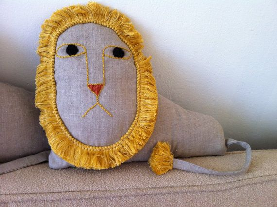 couch lion