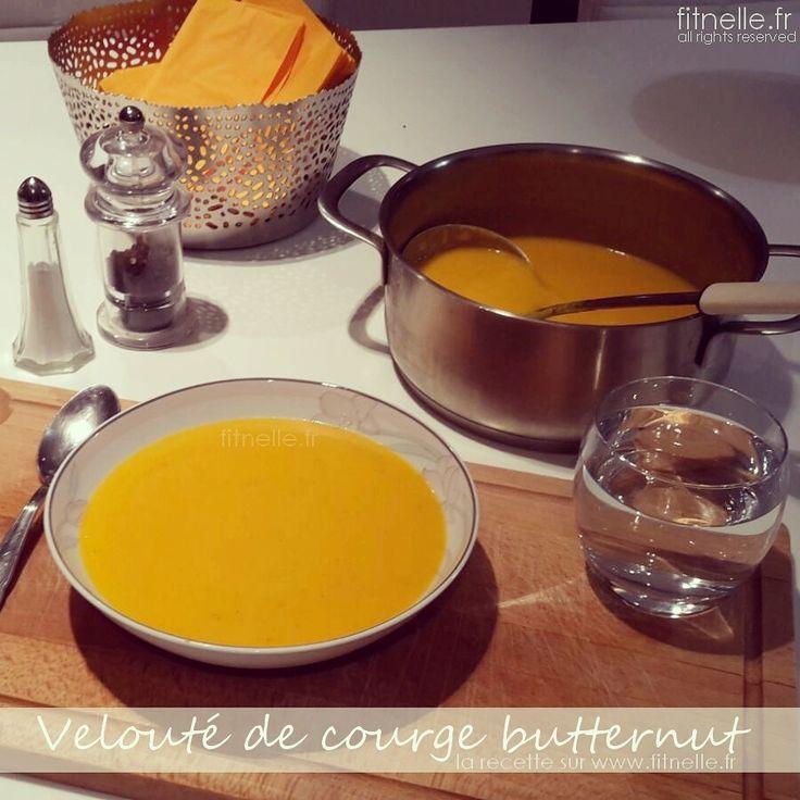 Je reviens vers vous avec une de mes recettes hivernales préférées… le velouté de courge butternut ! Un régal à déguster les soirs d'hivers les pieds au chaud dans ses pantoufles émoticône smile En encore une fois, c'est une recette ultra méga simple ! xoxo Tina http://www.fitnelle.fr/veloute-courge-butternut/