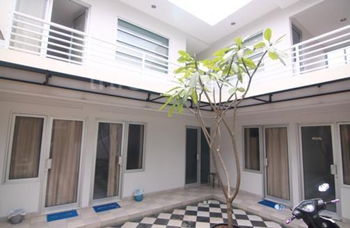 Alt Mansion exterior