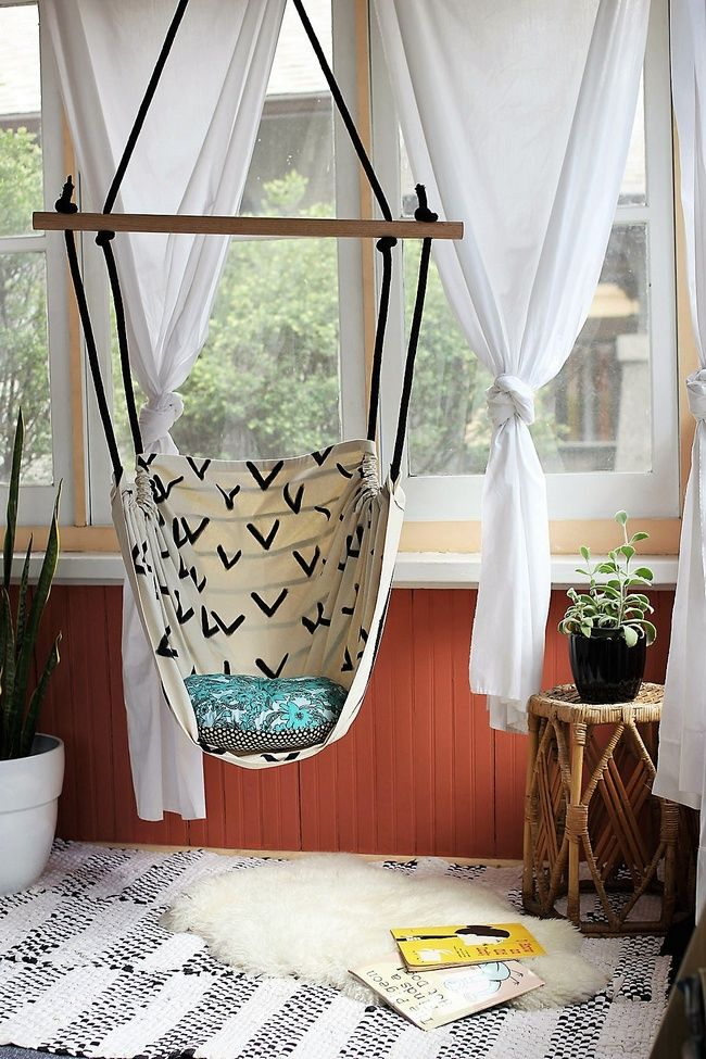 Teenage girls love to have in their room an entirely unique comfort corner where they can enjoy reading, thinking or just relaxing and feel independent. Hammock chair can be easily created at home with resilient ropes and colorful canvas. Hammock chair is undeniably the best idea for crafting a funky comfort corner in your girl's room.