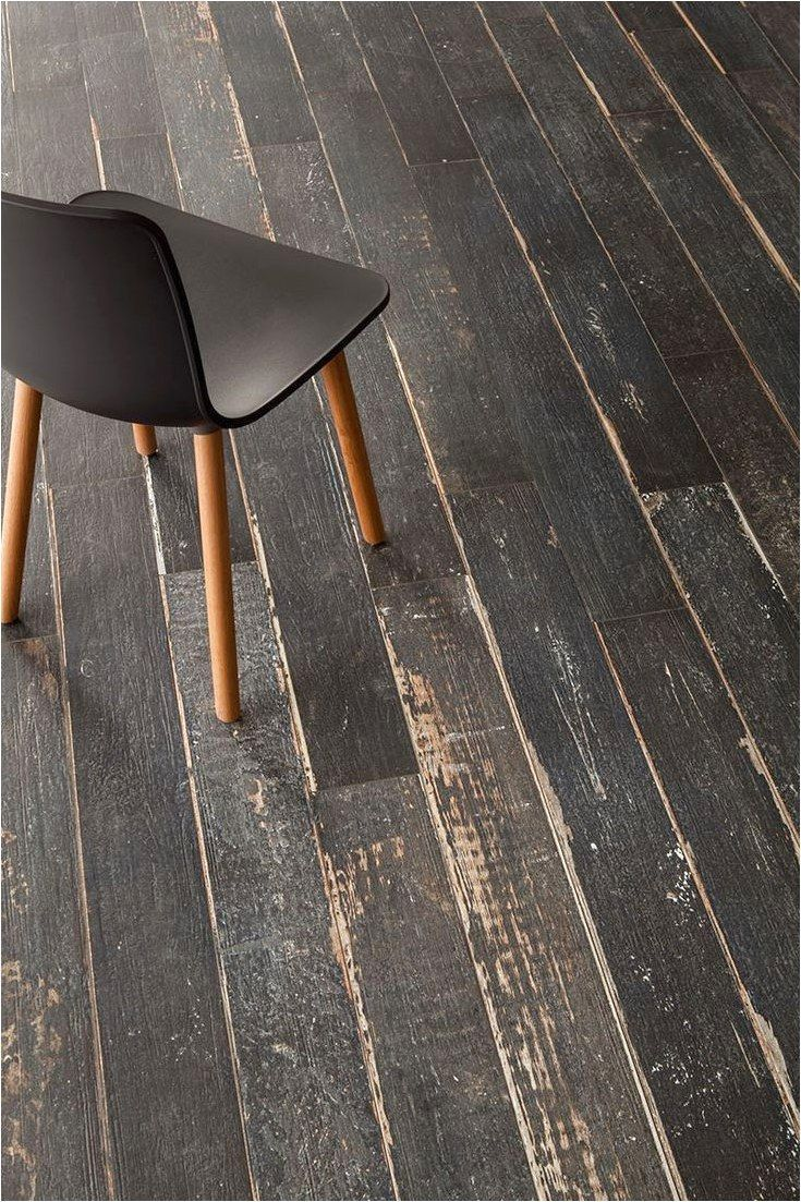 Oltre 1000 Idee Su Piastrella In Finto Legno Su Piastrelle Uniqueflooring If Your A F Painted Hardwood Floors Painted Wood Floors Painted Wooden Floors