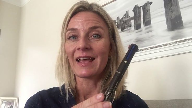 Clarins 4 in one stylo
