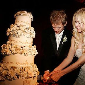 Avril Lavigne and Deryck Whibley at Their Wedding Status: Divorced