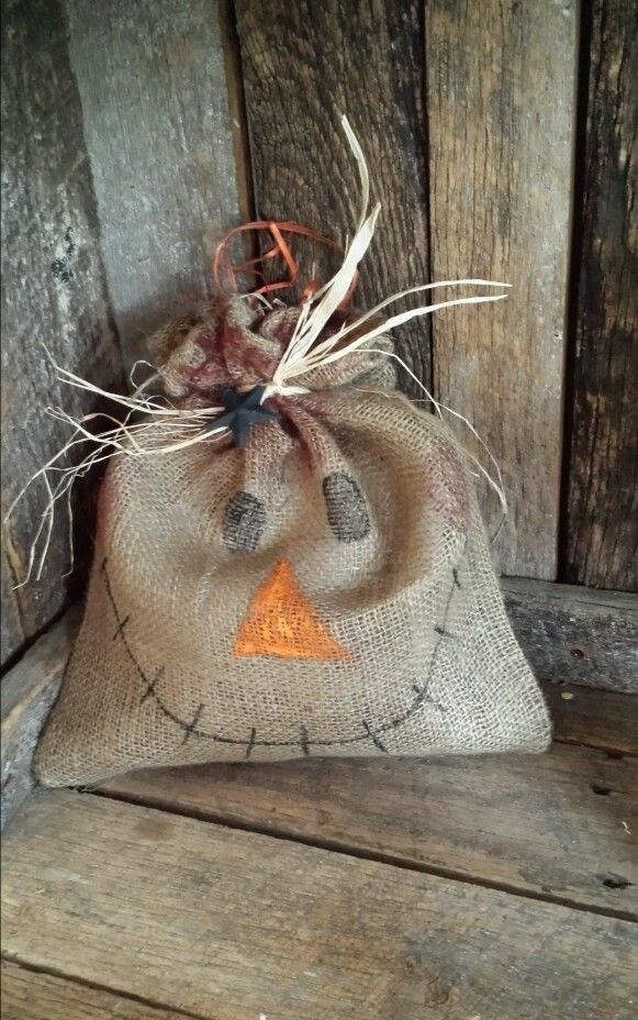 Large Burlap sac scarecrow     Decor, fall, halloween, primitive  #Unbranded