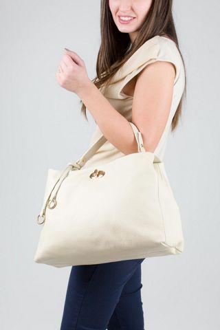 Borsa in vera pelle, modello shopping con tracolla, colore bianco. MADE IN ITALY http://www.brendatelier.it/prodotto.asp?st=primavera_estate_2015&tag=borsa_pelle_shopping_tracolla__L-BO258&col=latte&lang=it