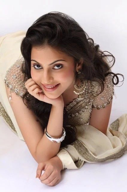 Pin by Rk on Beauty in 2020 | Ninnu kori movie, Hollywood