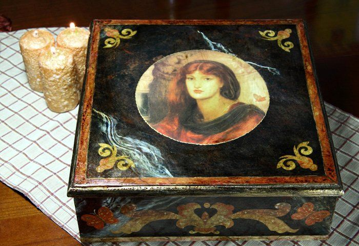 Fake marble marquetry and découpage box
