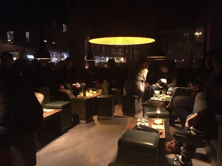 Nachdem wir euch gestern die Gourmet Falafel im Mataim ans Herz gelegt haben, wollen wir euch heute zu köstlichen Drinks in der Suderman Barverführen. Direkt am Sudermanplatz gelegen findet ihr se…
