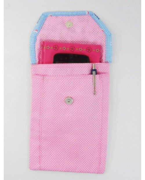 Shopibiz presents pink cotton fabrics kindle cover. The pleated pocket in the front adds for more space to keep cards, memory cards, a small wallet, small notebook or keys etc. Can.Can put in the handbags also.