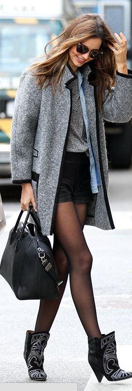 Who made  Miranda Kerr's gray coat, black handbag, and black boots that she wore in New York?