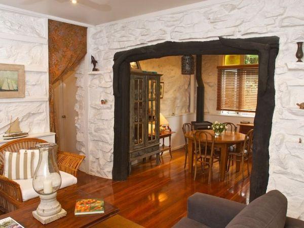 charming-stone-residence9