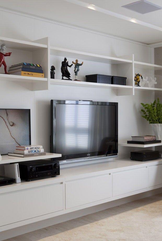 Apartamento Vila Mariana / Paula Magnani Arquitetura @paulamagnani #hometheater #tv #decor