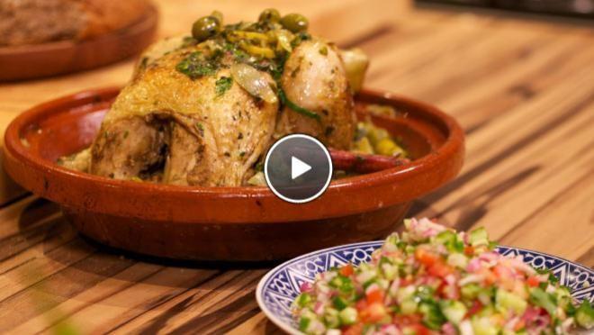Marokkaanse Kiptajine http://www.24kitchen.nl/recepten/marokkaanse-kiptajine-met-marokkaanse-komkommersalade