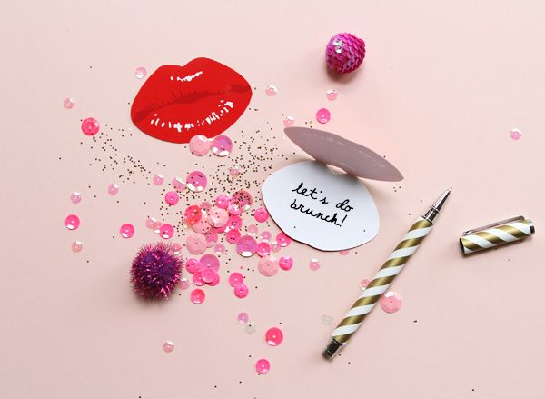 """Free Printable """"Read My Lips"""" Notecards"""