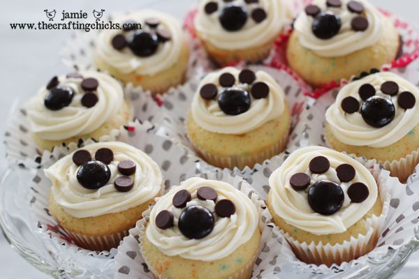 puppy party cupcakes - The Crafting Chicks
