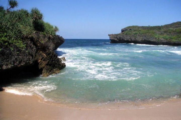 great moment at krakal beach yogyakarta indonesia