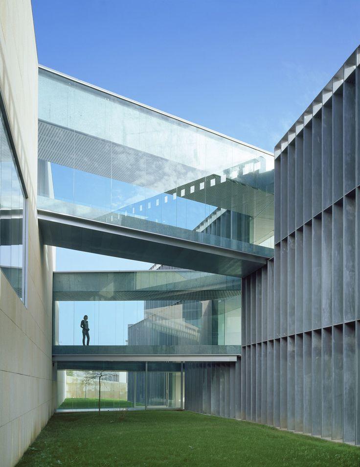 Galeria de Centro de Novas Tecnologias / Francisco Mangado - 4