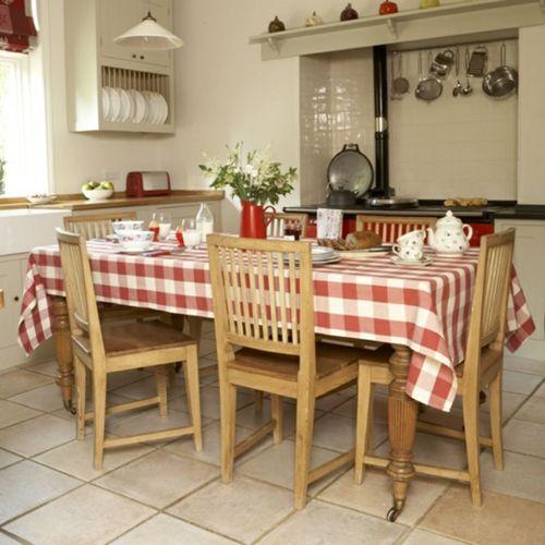 Küche im Landhausstil gestalten authentisch tischdecke holz