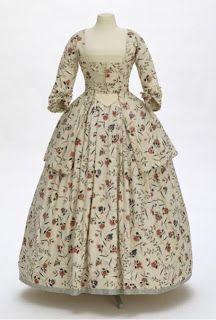 Вокруг и около РОКОКО: Модные платья 18 века.