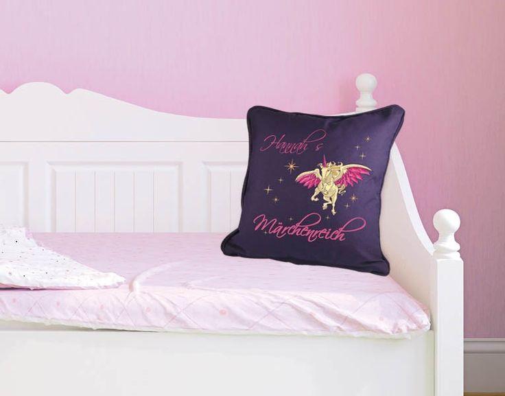 wunschtext dekokissen m rchenreich fantasiereich zauberhafte kinderzimmer wandtattoos. Black Bedroom Furniture Sets. Home Design Ideas