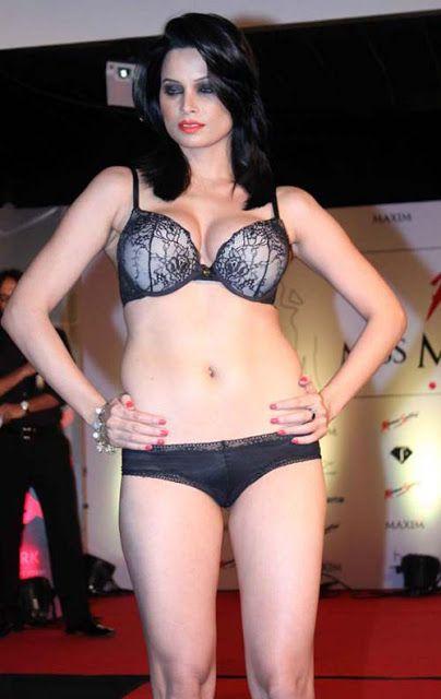 Beauty Of Legs Hot Indian Model Hot Bikini On The Ramp Appealing