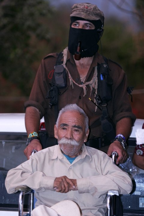 Felix Serdan lider jaramillistas y Mayor Honorario del EZLN con el Sub CI Marcos.