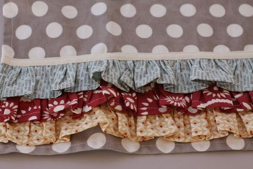 cute little ruffled towel tutorial - use twill tape to cover top rough edge of ruffle