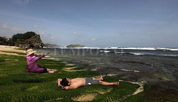 Indahnya Pantai Krakal di Gunung Kidul, Yogyakarta
