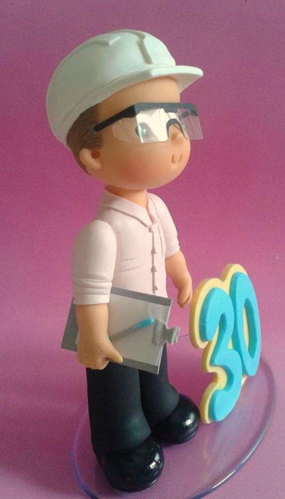 Bonequinho personalizado para topo de bolo de festa de aniversário ou para homenagear alguém querido.