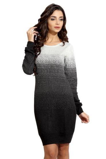Легкое вязаное платье спицами