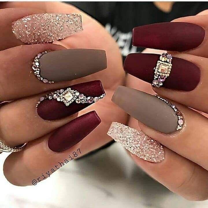 Follow Chelsea Chantelle91 For More 3 Nails Stones Longnails Acrilicnails Diamond Nail Designs Diamond Nails Coffin Nails Designs