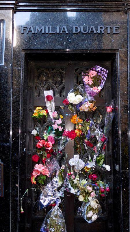 La tumba de Eva Perón en el cementerio de la recoleta