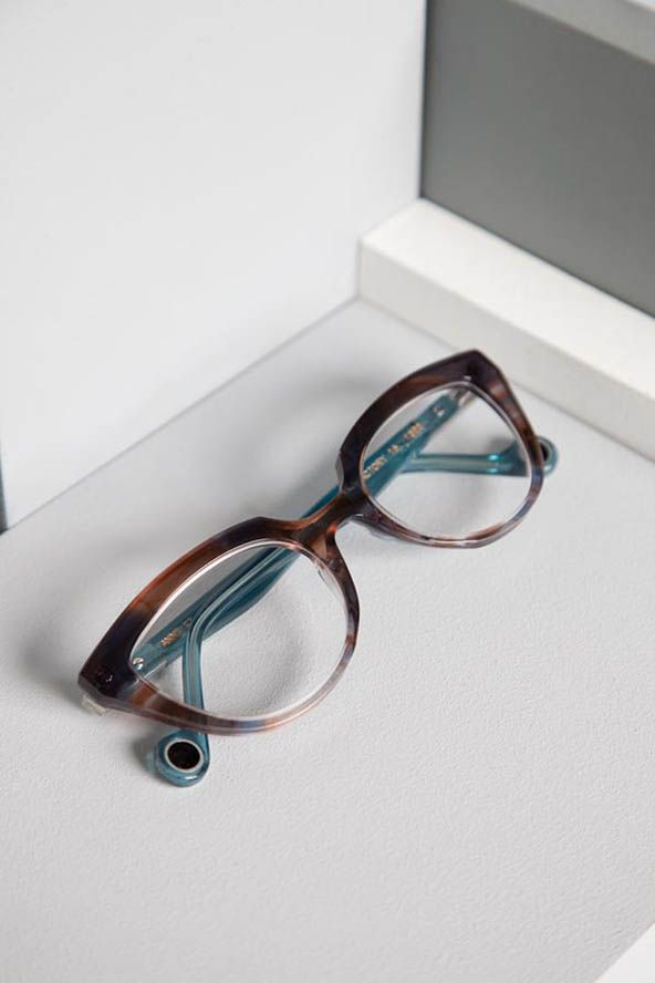 """My next pair of glasses - Anne et Valentin, """"Factory-16 308"""". Saw them in grey and loved them."""