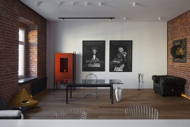 Архитектурное бюро 4a Architekten из Германии представило проект офисного пространства в стиле лофт в Москве. Помещение бывшей квартиры в историческом здании 1903 года постройки было отреставрировано и адаптировано согласно новой функции. На площади 85 квадратных метров царят простор и атмосфера ...