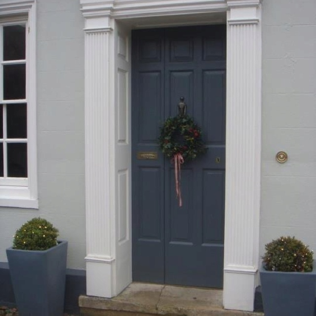Farrow & Ball. Door in 'Downpipe'