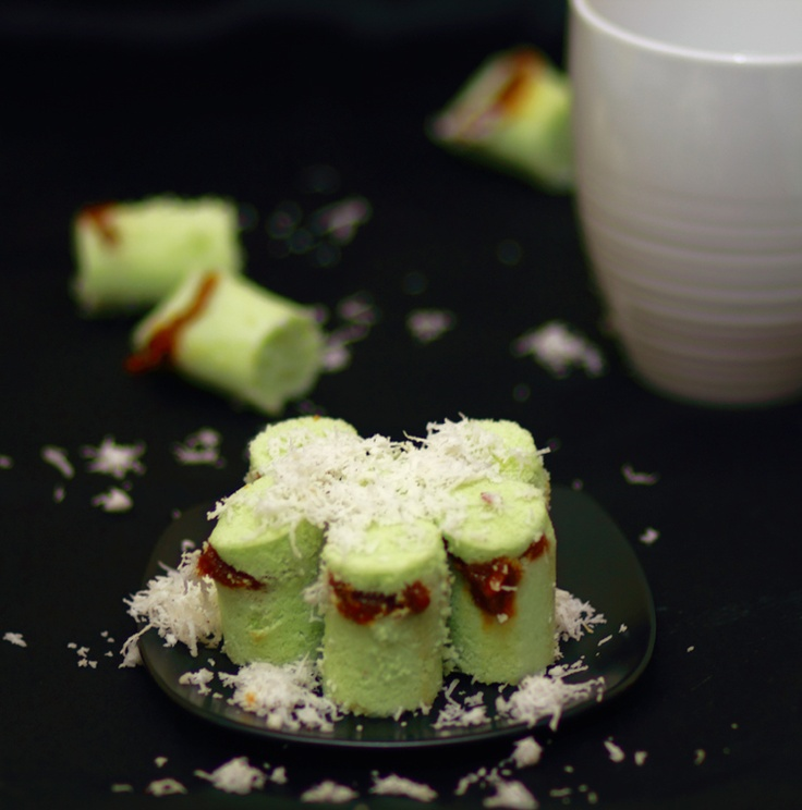 Kue Putu [Indonesian Putu Bamboo Cake].......Beautiful! @endy daniel