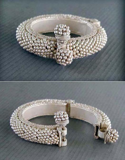 47c58dbdafbc046aa10286982582efe9--antique-jewellery-silver-jewellery.jpg (525×673)