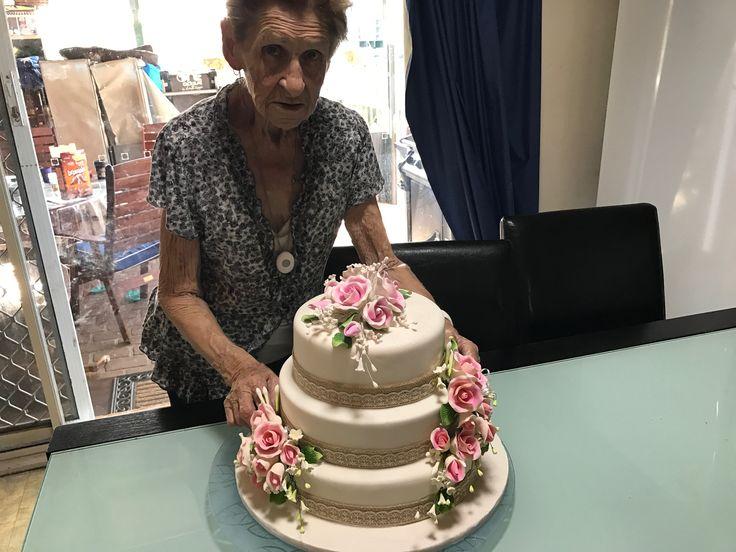 Mums 80 th Birthday cake