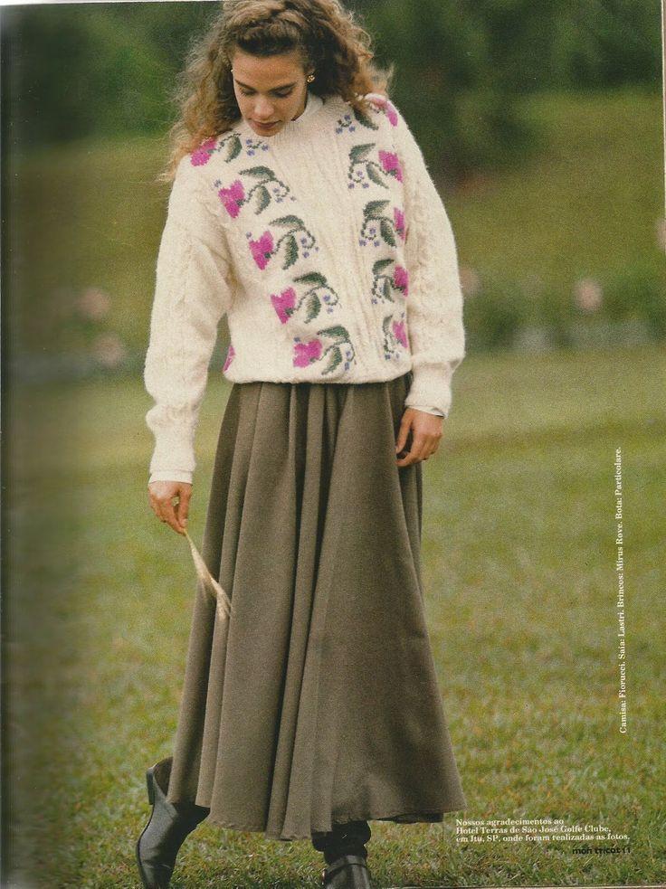 Mania-de-Tricotar: Pulôver feminino com bordado á mão  http://mania-de-tricotar.blogspot.com.br/