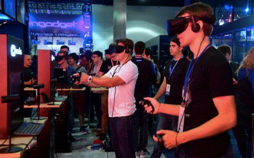 Superhero 'Deadpool' opens fire in virtual reality