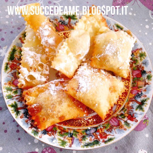 Bugie di canevale ripiene di Nutella, albicocca e marmellata di mele e cannella.