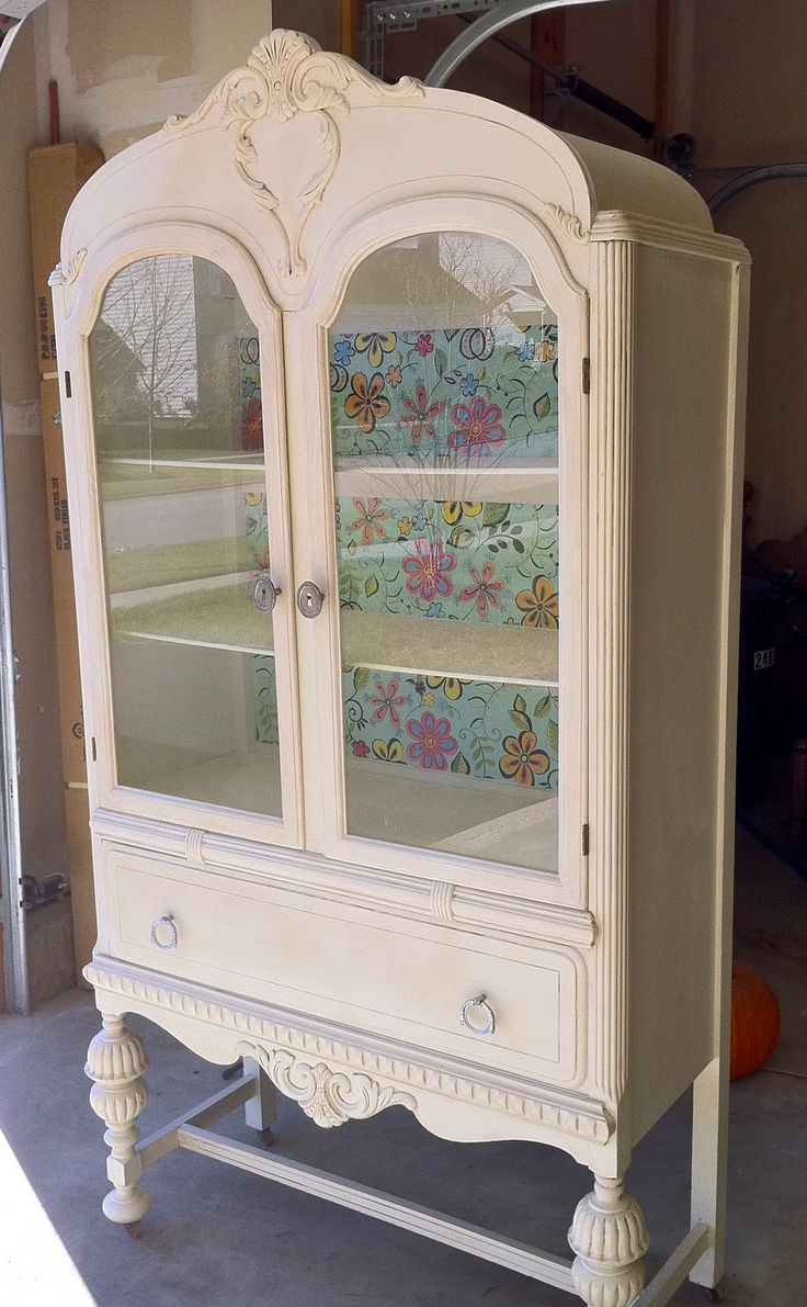 oh my heart❥ ~ I would put a little more relaxed backing in the cabinet.