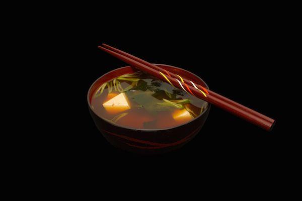 Sopa Miso, tradición japonesa en Kokoro Sushi - http://www.femeninas.com/sopa-miso-tradicion-japonesa-kokoro-sushi/