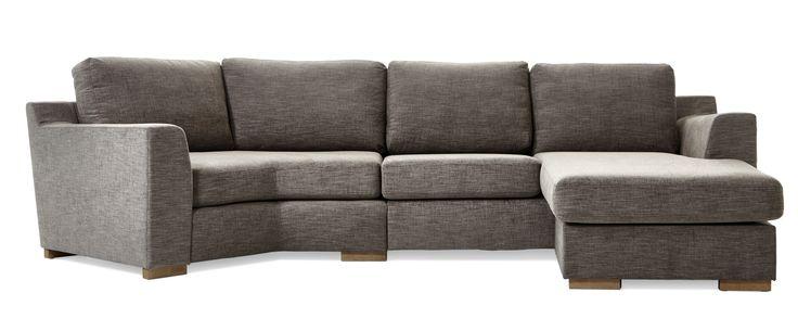 Friday är en rymlig soffa med lite högre ryggstöd och många variationer. Du får en soffa med flyttbar vinkeldel och schäslong, kan välja ett armstöd som passar dig, få mjuka kuddar i ryggen eller lite fastare plymåer. Den finns att få i många tyger, läder och färgkombinationer, med låga eller höga ben. De högre benen underlättar vid städning, samtidigt som det blir lättare att resa sig ur soffan. Komplettera gärna med en eller flera nackkuddar.are att resa sig ur soffan. Komplettera gärna…