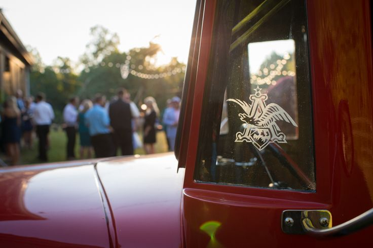 Whats a backyard country wedding without a few nice trucks, some bales of hay and a great band. Heather and Adam's rustic wedding on a private estate in Southern Maryland!