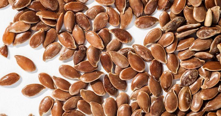 Farina di semi di lino e kefir per pulire il colon e stare meglio. Scopri come utilizzarne al meglio i benefici e tutte le loro proprietà