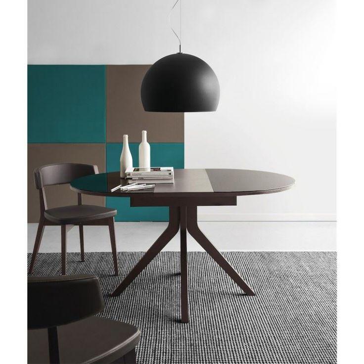 Tavolo rotondo in vetro allungabile connubia calligaris for Tavoli di design rotondi