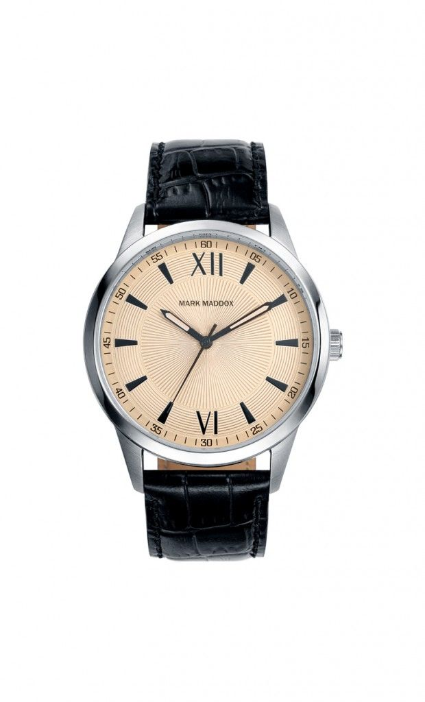 Si eres sencillo pero te gusta lucir siempre bien, sin dudas este es tu modelo. Reloj tres agujas con correa negra y esfera color hueso. Cierre de hebilla. Cristal mineral. Impermeable 30m (3ATM).