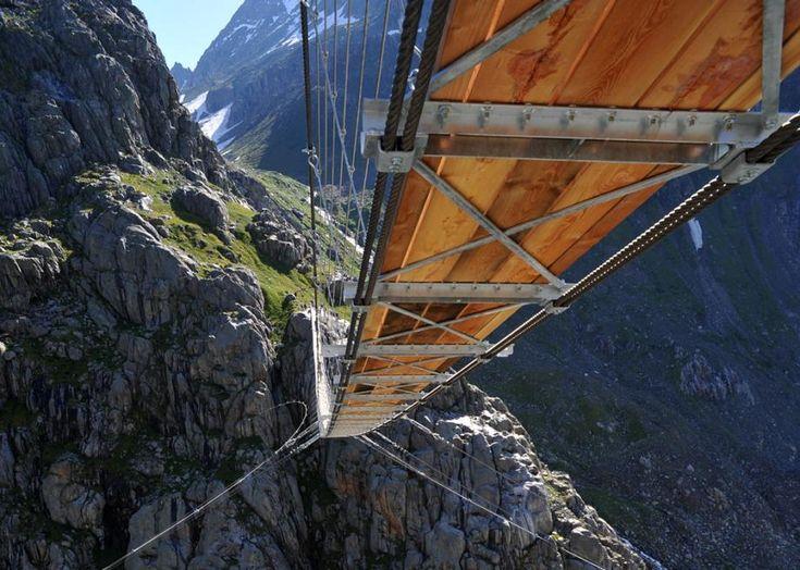 En Suisse, un pont pour les vrais aventuriers | Slate.fr